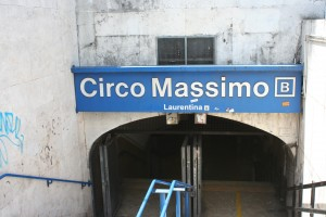 The subway entrance for the Circo Massimo stop.